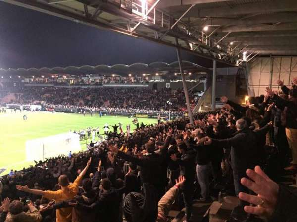Stade Raymond Kopa, secção: Coubertin F, fila: Y, lugar: 144A