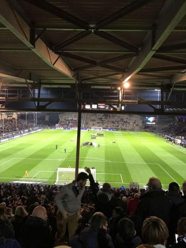 Stade Raymond Kopa, secção: Coubertin C, fila: AL, lugar: 132