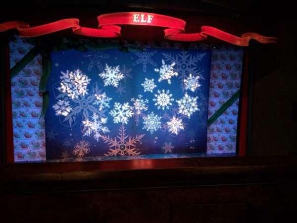 Walnut Street Theatre, secção: Mzcntr, fila: D, lugar: 110
