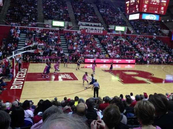 Louis Brown Athletic Center, secção: 102, fila: M, lugar: 9