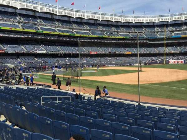 Yankee Stadium, secção: 113, fila: 12, lugar: 13