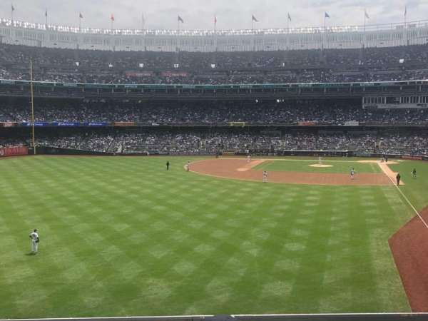 Yankee Stadium, secção: 233b, fila: 3, lugar: 9