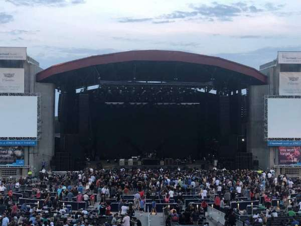 Jones Beach Theater, secção: 10L, fila: BB, lugar: 9