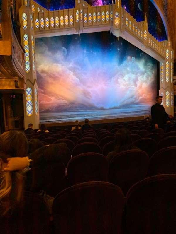 Eugene O'Neill Theatre, secção: Orchestra L, fila: M, lugar: 21