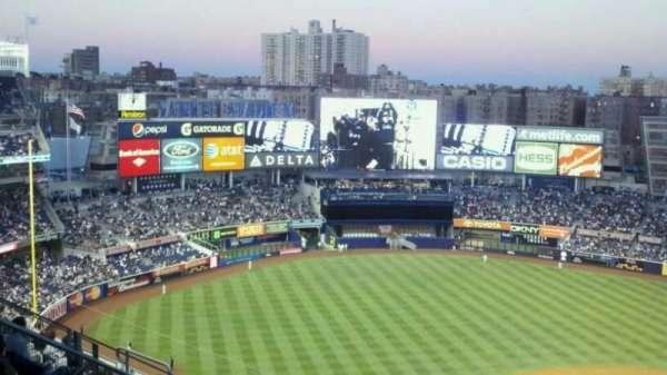 Yankee Stadium, secção: 326, fila: 2, lugar: 20