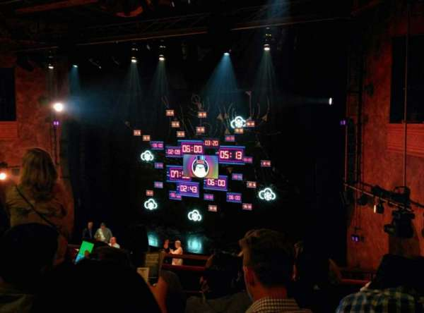 August Wilson Theatre, secção: Mezzanine R, fila: E, lugar: 14