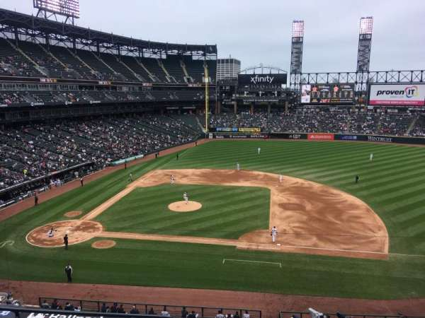 Guaranteed Rate Field, secção: 324, fila: 5, lugar: 15
