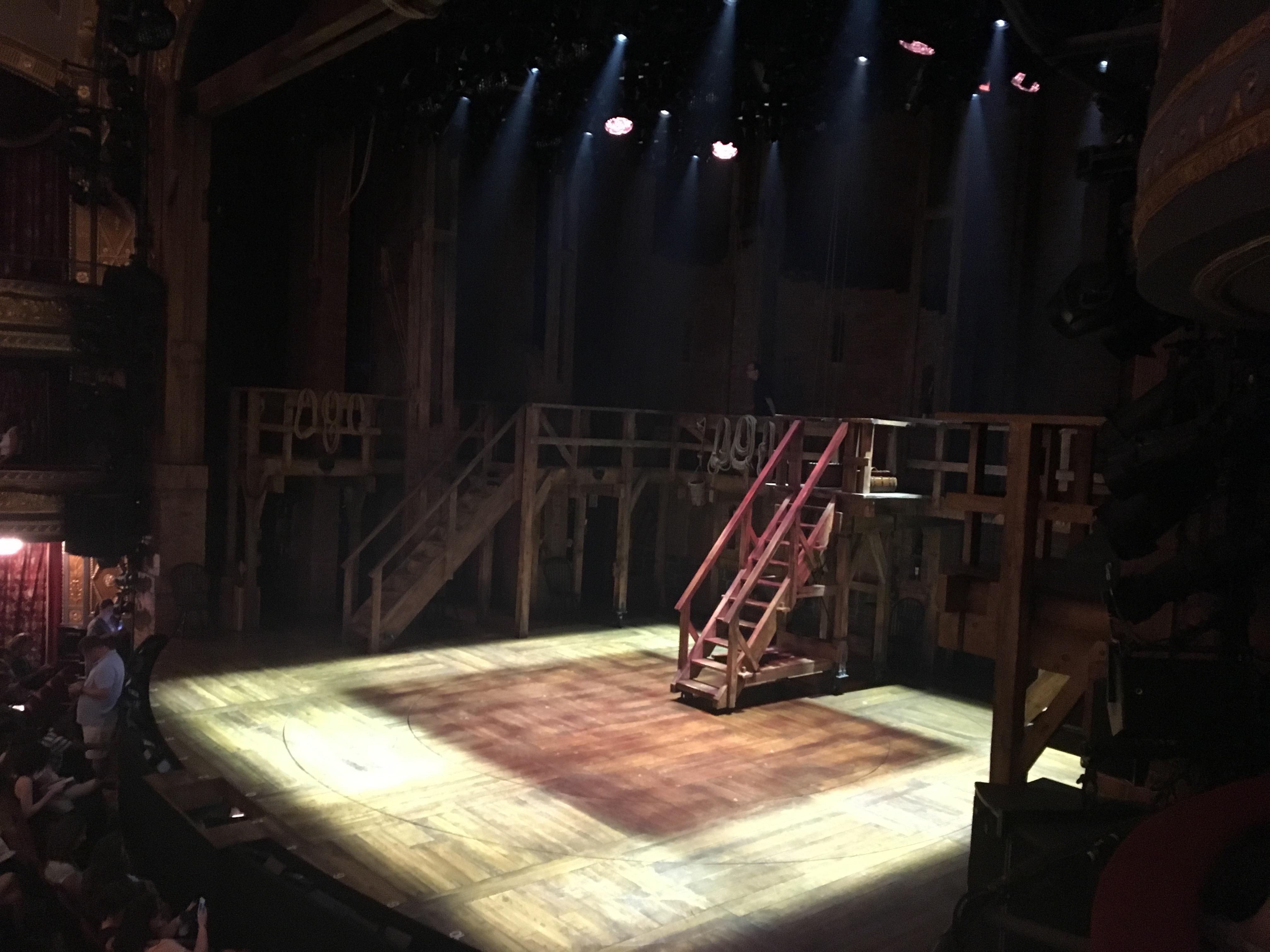 Richard Rodgers Theatre Secção Box E Fila 1 Lugar 2