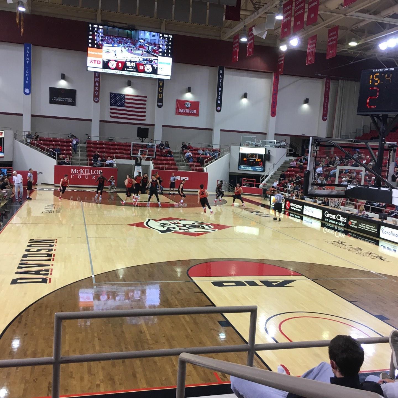 John M. Belk Arena Secção 2 Fila F Lugar 1