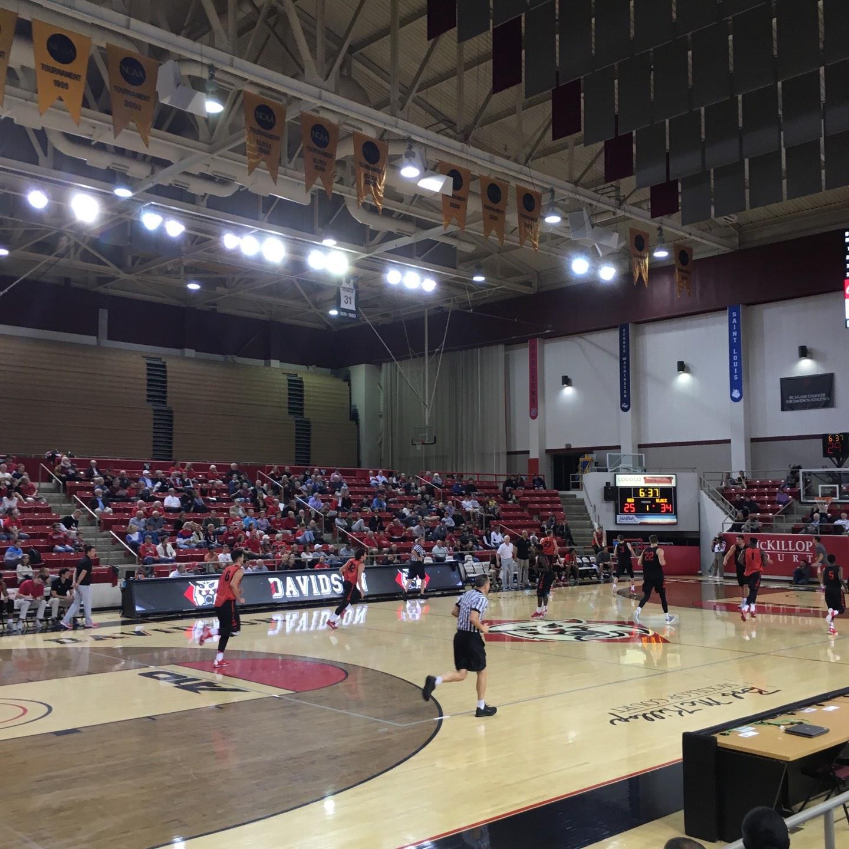 John M. Belk Arena Secção 5 Fila D Lugar 2