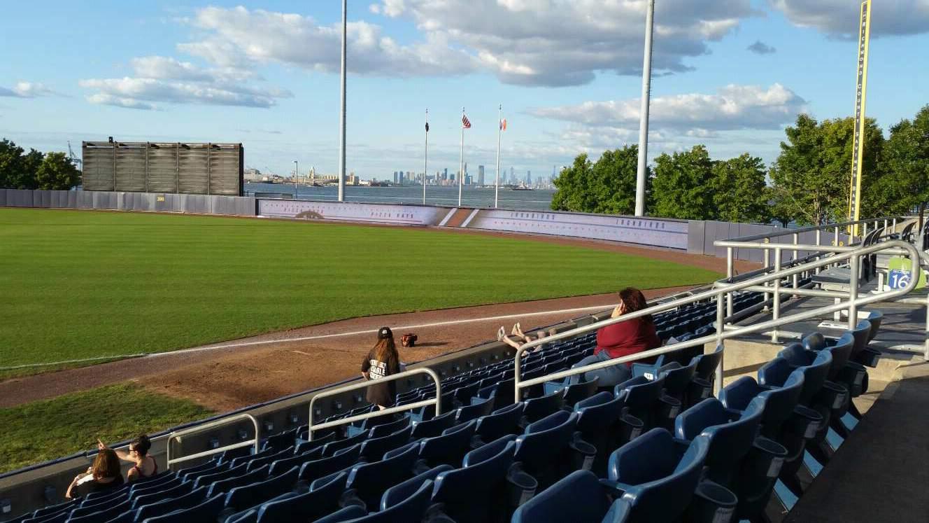 Richmond County Bank Ballpark Secção 15 Fila L Lugar 9