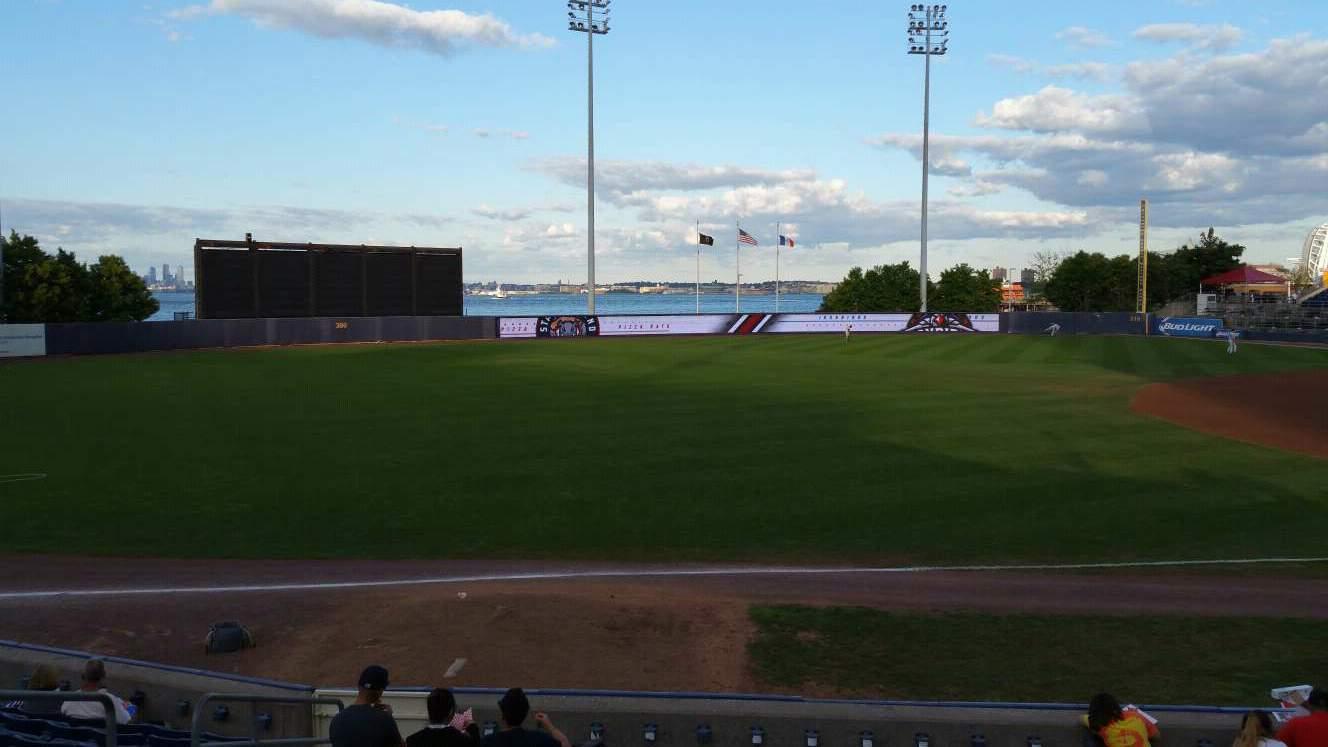 Richmond County Bank Ballpark Secção 3 Fila M Lugar 17