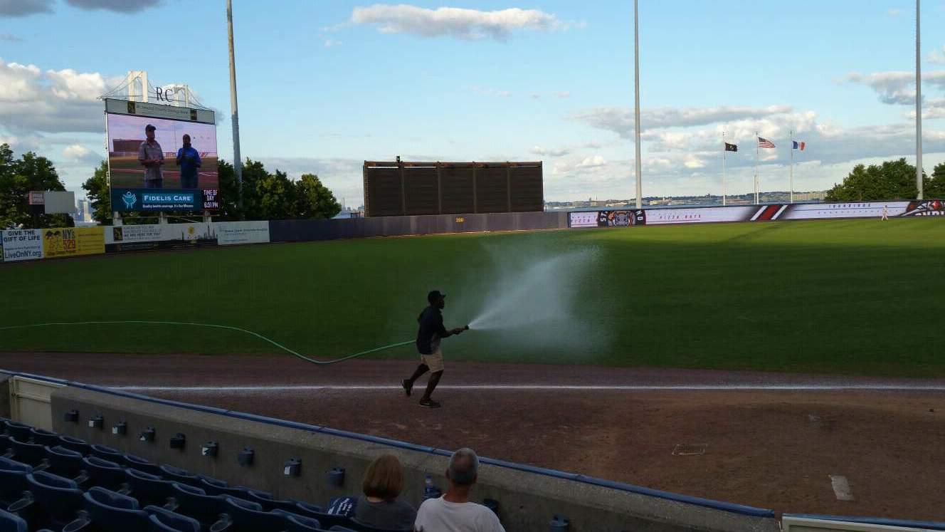 Richmond County Bank Ballpark Secção 2 Fila F Lugar 1