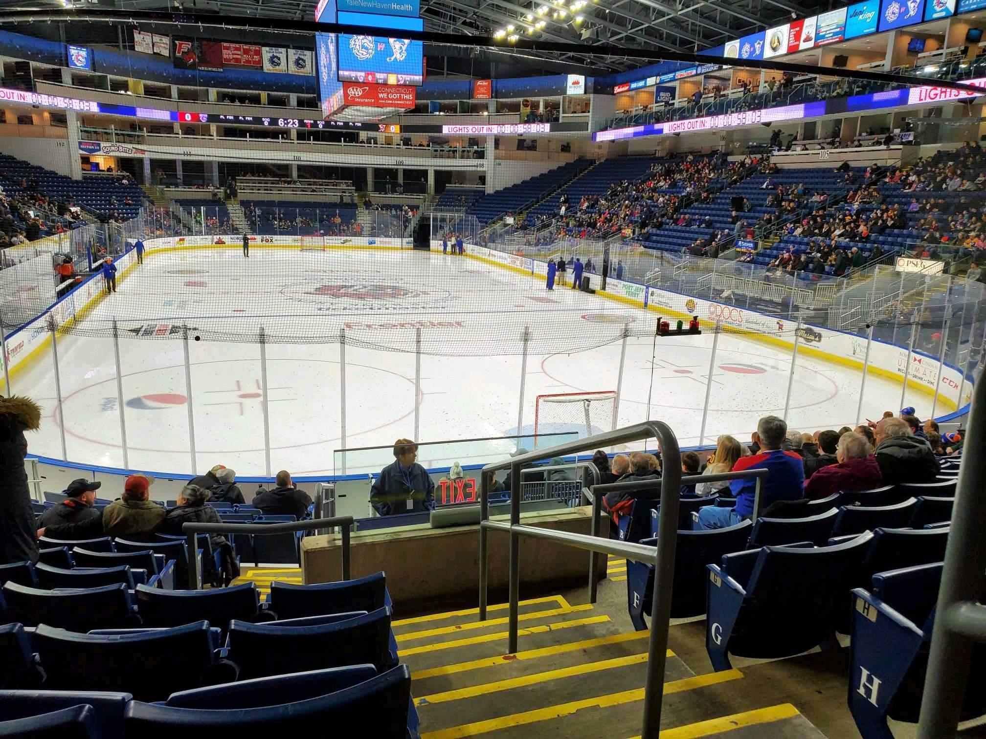 Webster Bank Arena Secção 119 Fila K Lugar 1