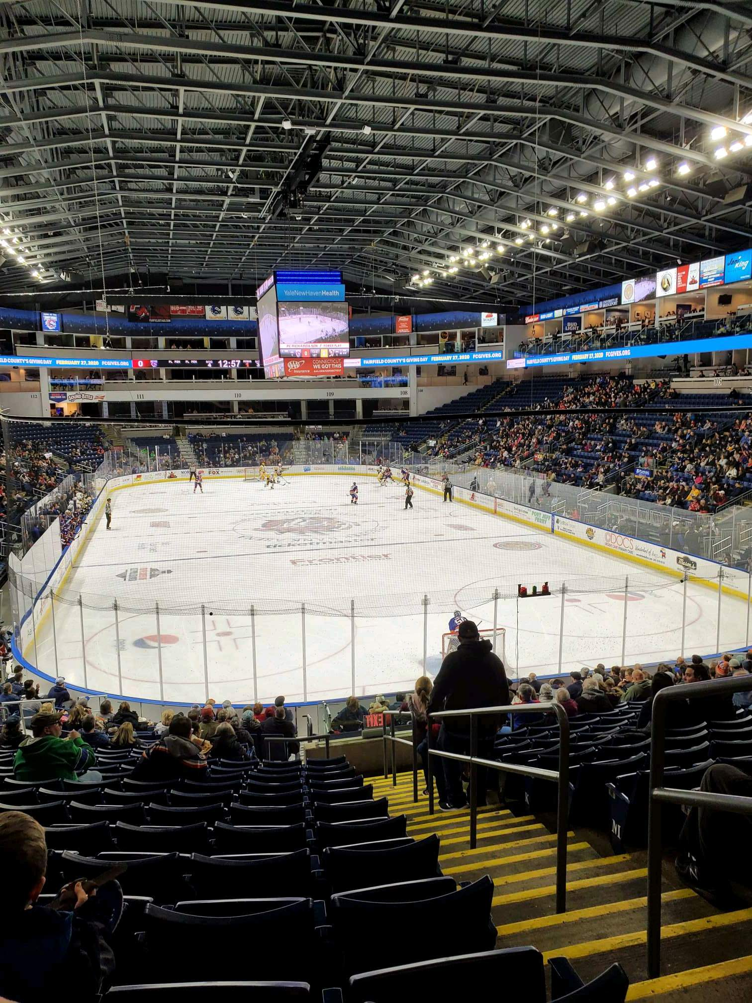 Webster Bank Arena Secção 119 Fila S Lugar 2