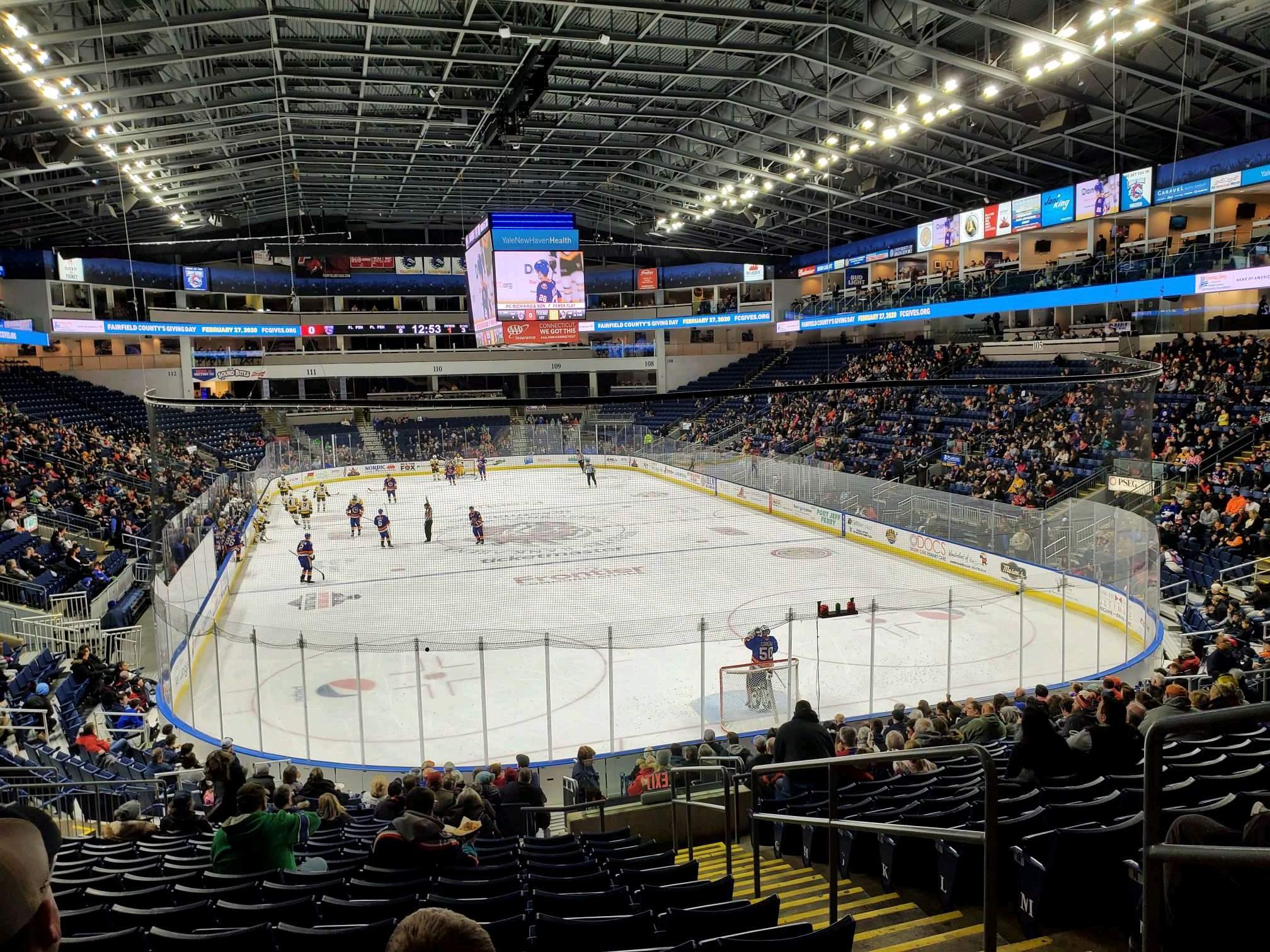 Webster Bank Arena Secção 119 Fila S Lugar 3