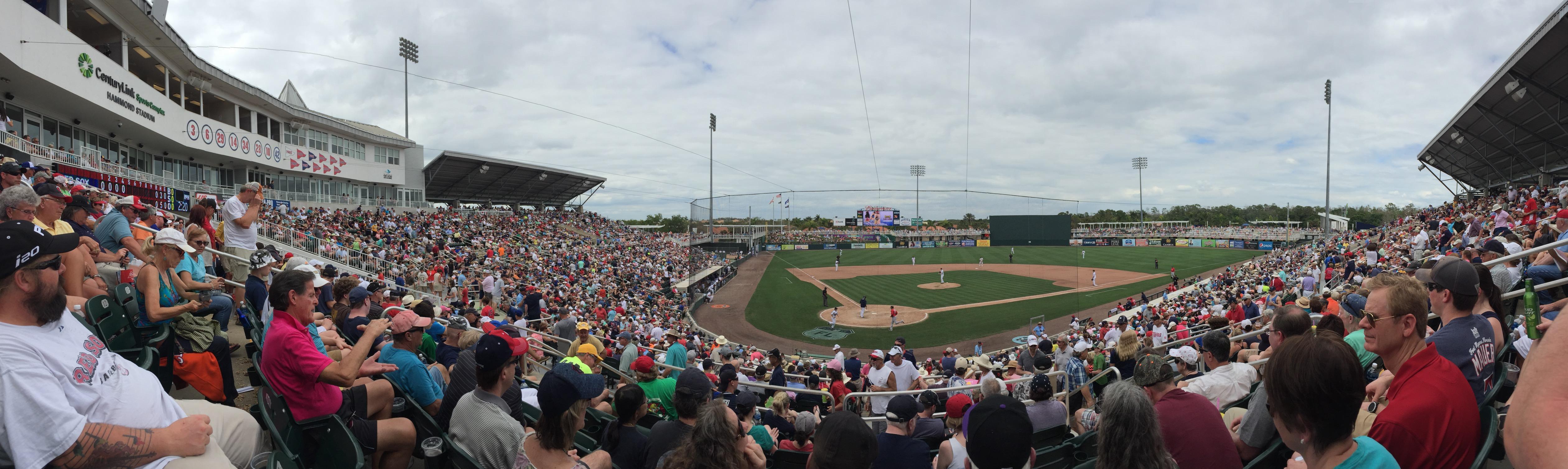 Hammond Stadium at CenturyLink Sports Complex Secção 207 Fila 7 Lugar 7