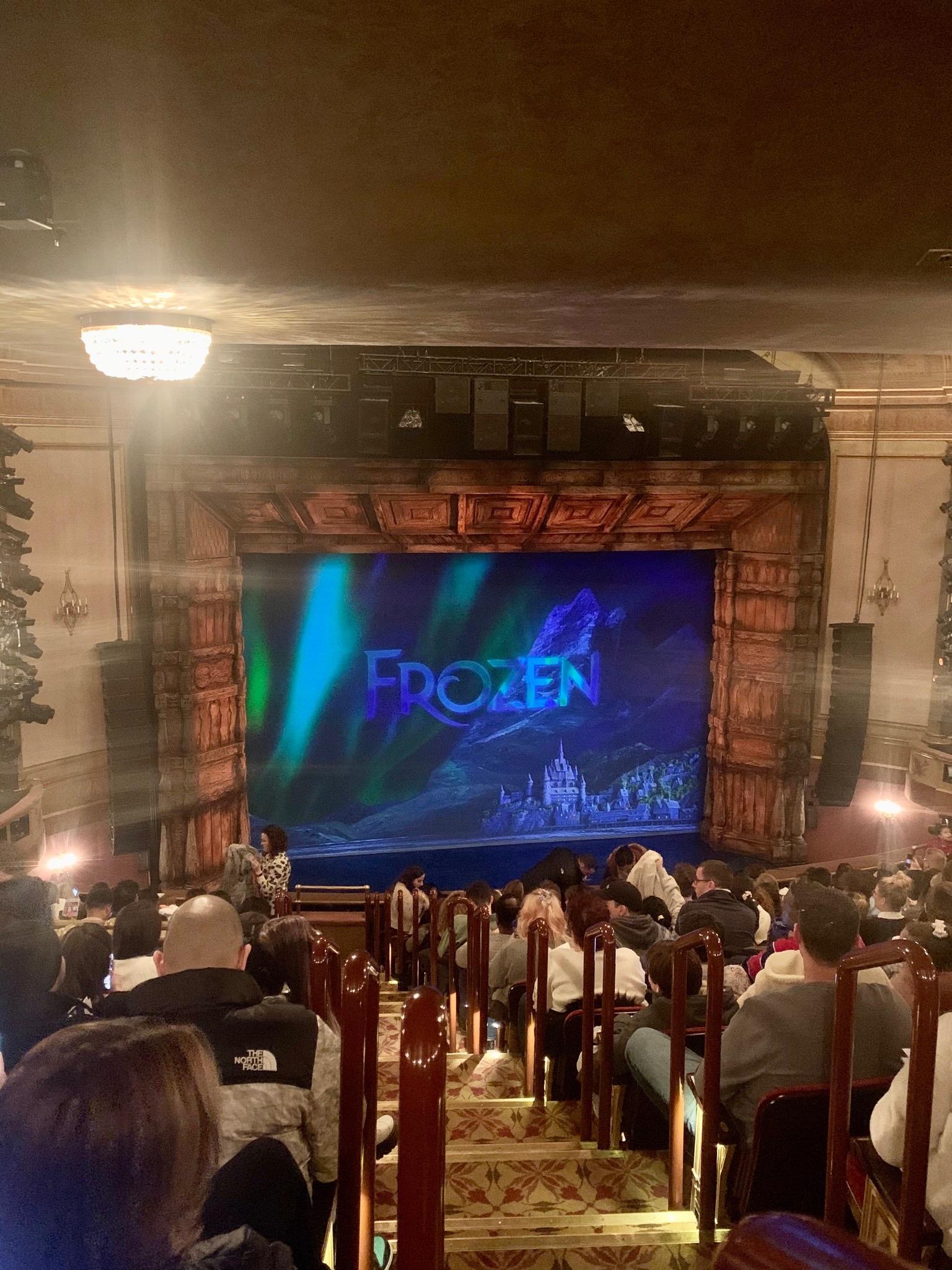 St. James Theatre Secção Mezzanine L Fila P Lugar 1