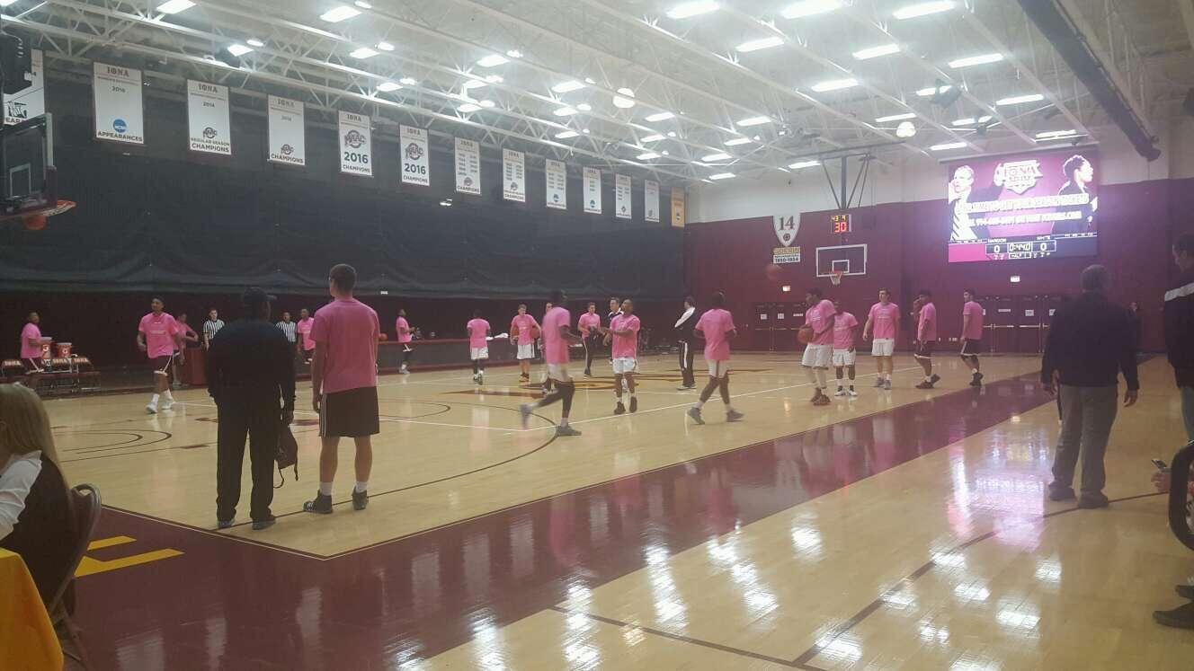 Hynes Athletic Center Secção 5 Fila B Lugar 3