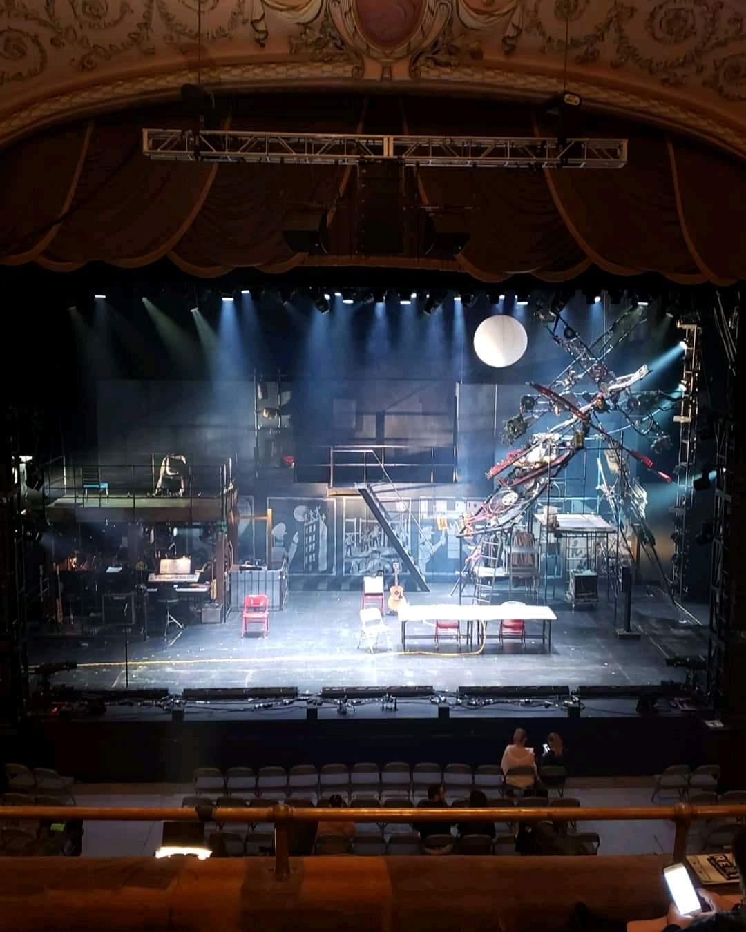 Merriam Theater Secção Balcony C Fila D Lugar 109