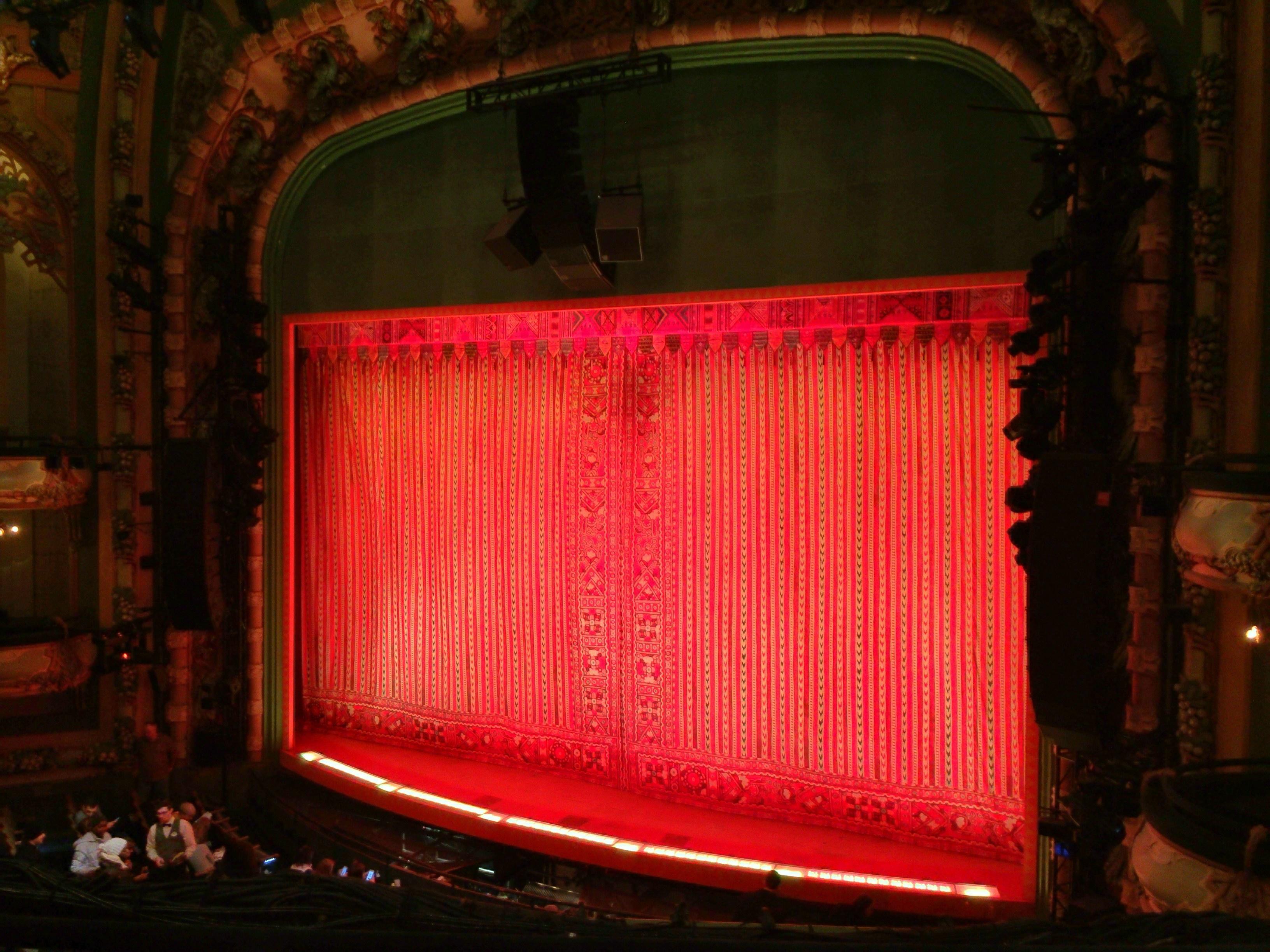 New Amsterdam Theatre Secção Mezzanine R Fila CC Lugar 14