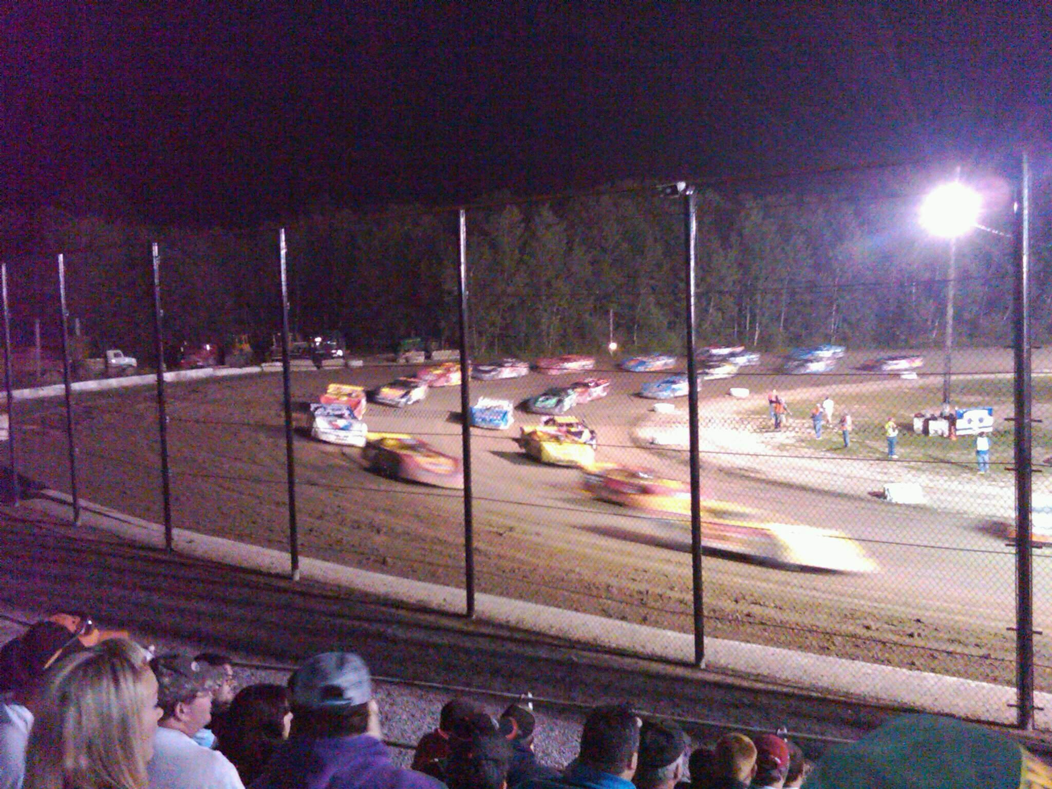 Brewerton Speedway Secção A Fila 6 Lugar 1