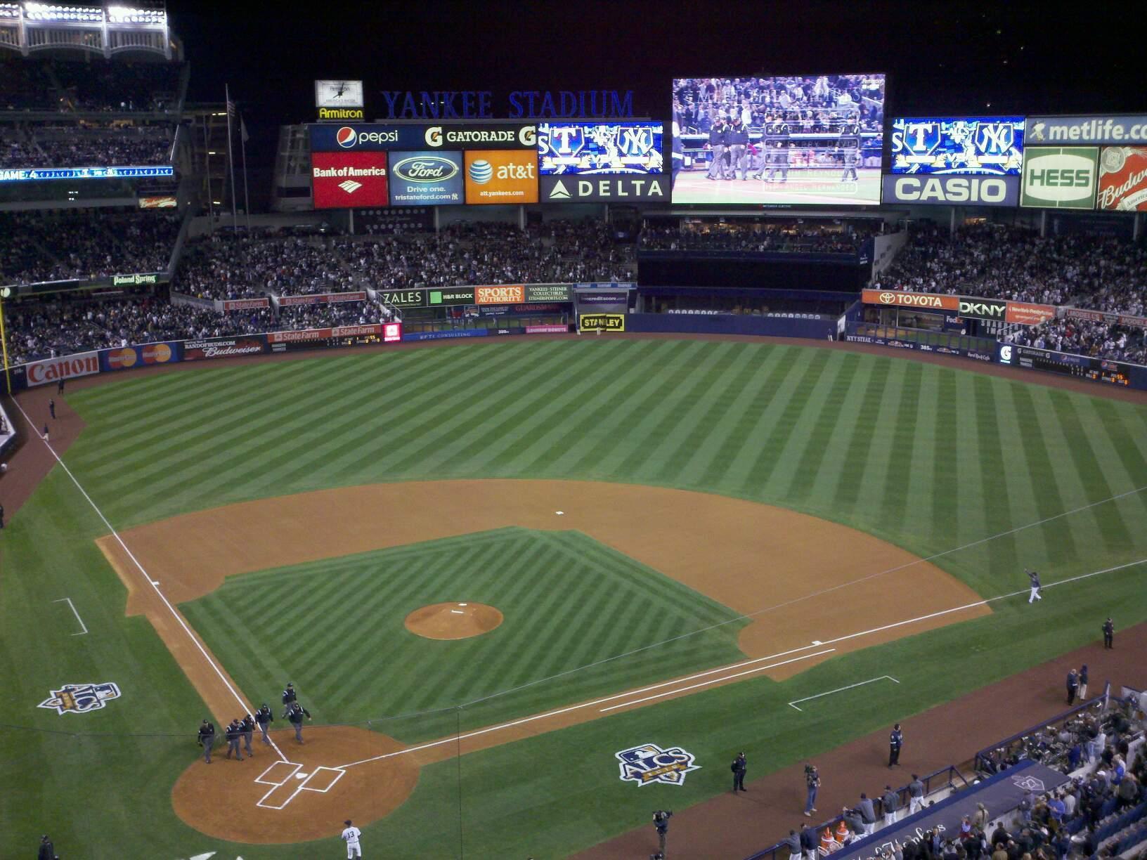 Yankee Stadium Secção 319 Fila 4 Lugar 8
