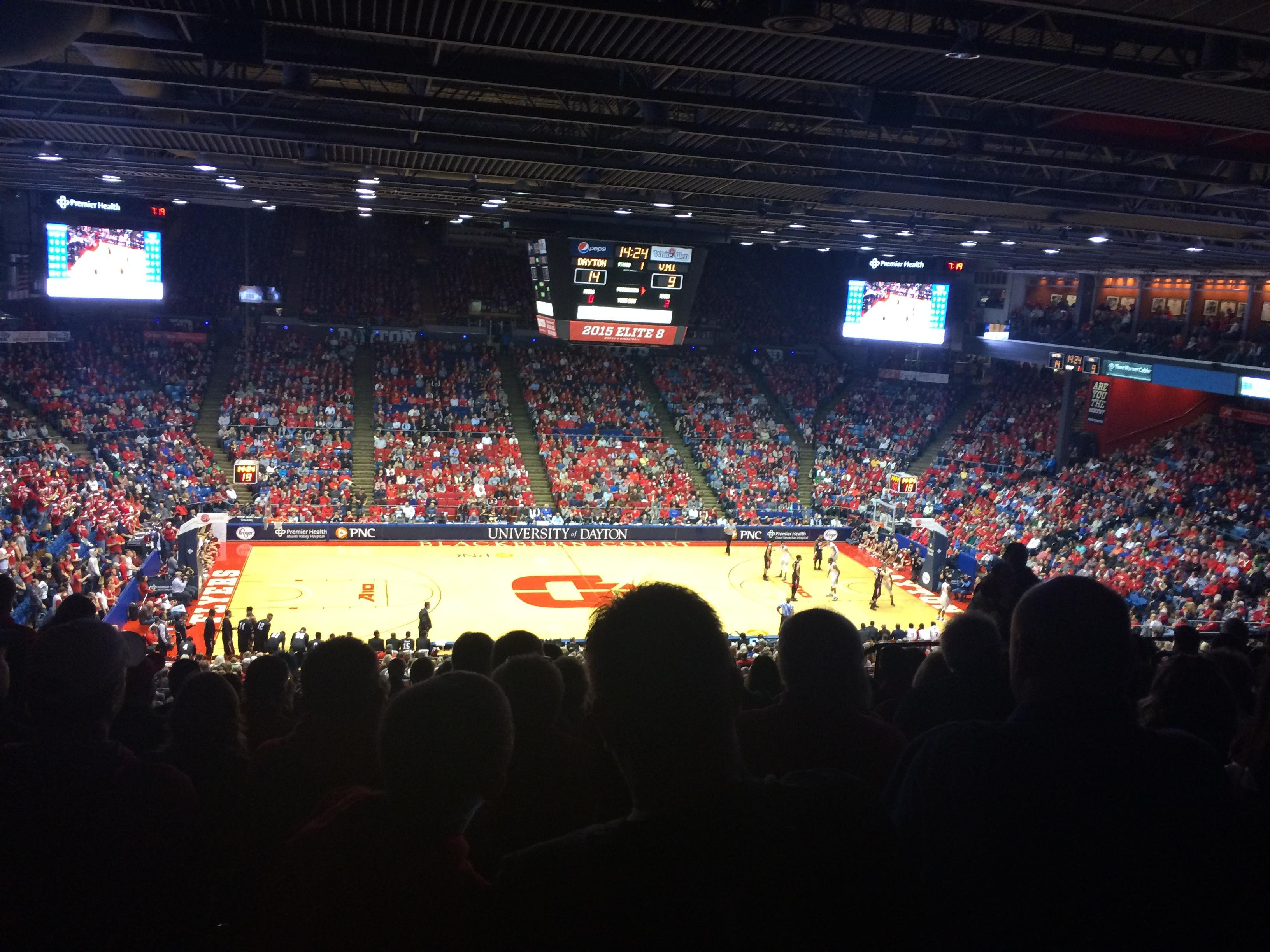 University of Dayton Arena Secção 310 Fila K Lugar 9