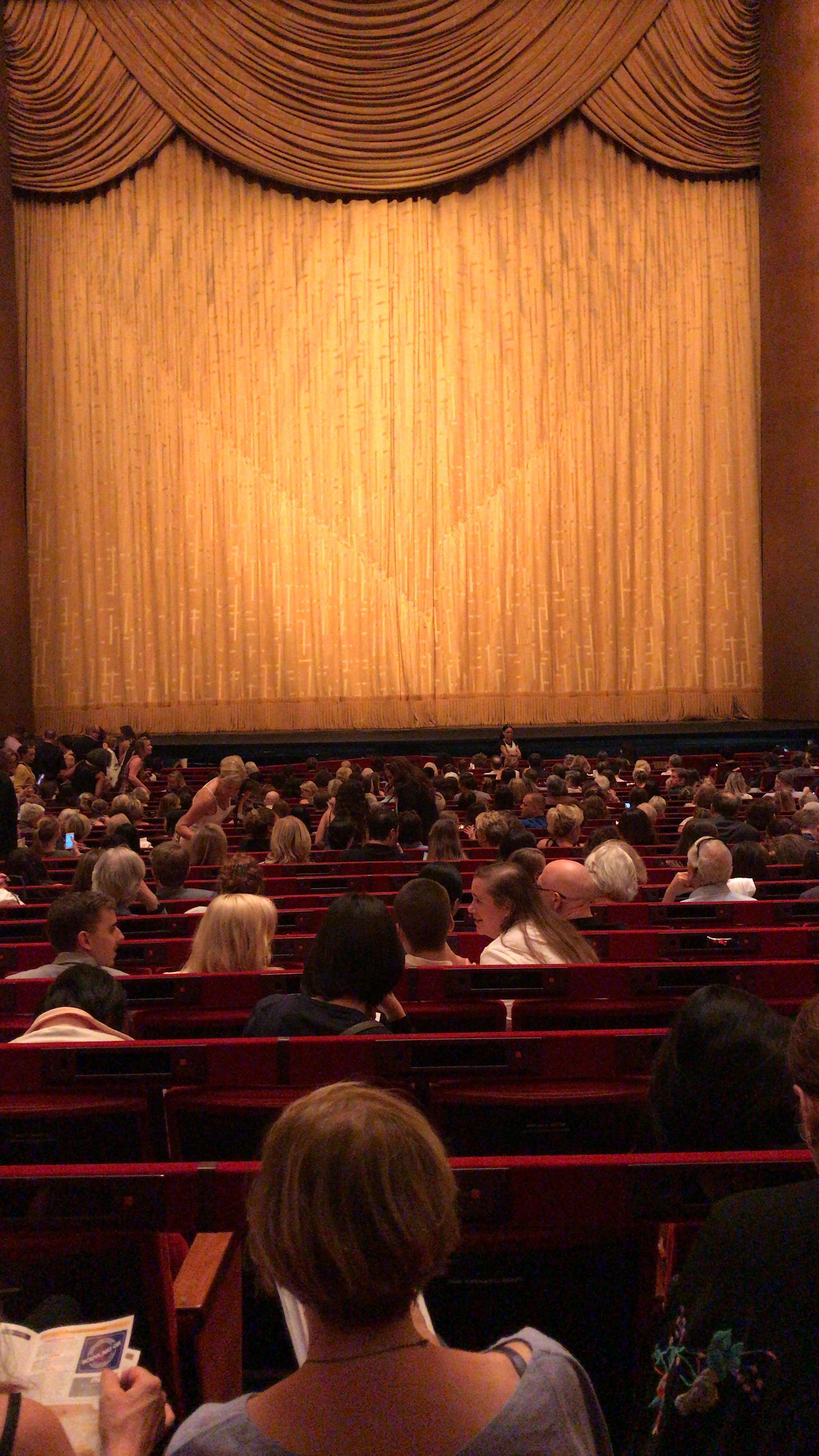 Metropolitan Opera House - Lincoln Center Secção Orchestra Fila Z Lugar 110