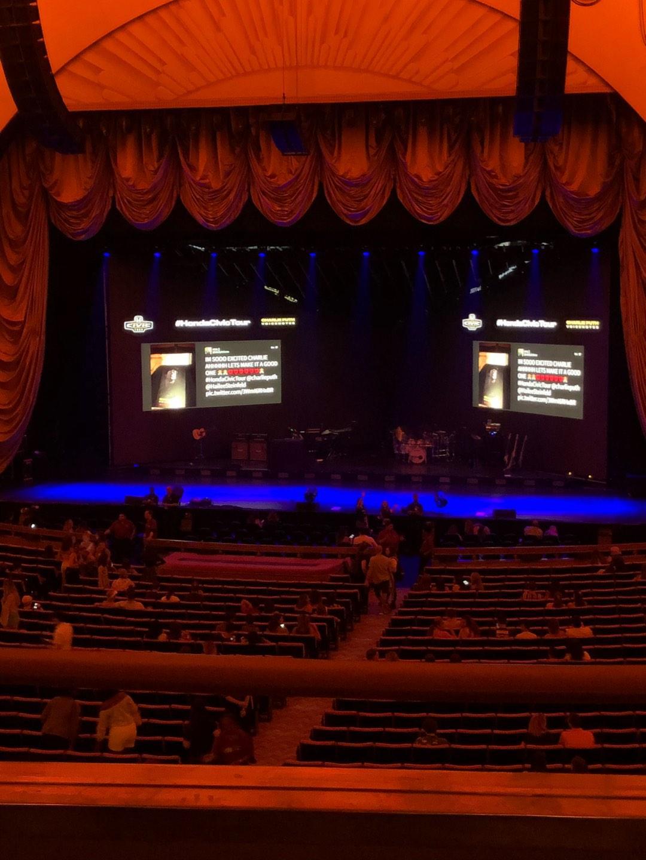 Radio City Music Hall Secção 1st Mezzanine 3 Fila B Lugar 305