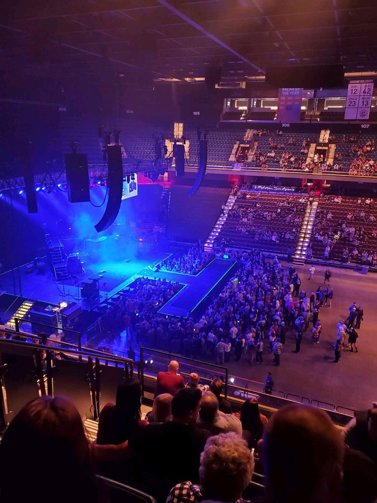 Mohegan Sun Arena Secção 117 Fila j Lugar 15