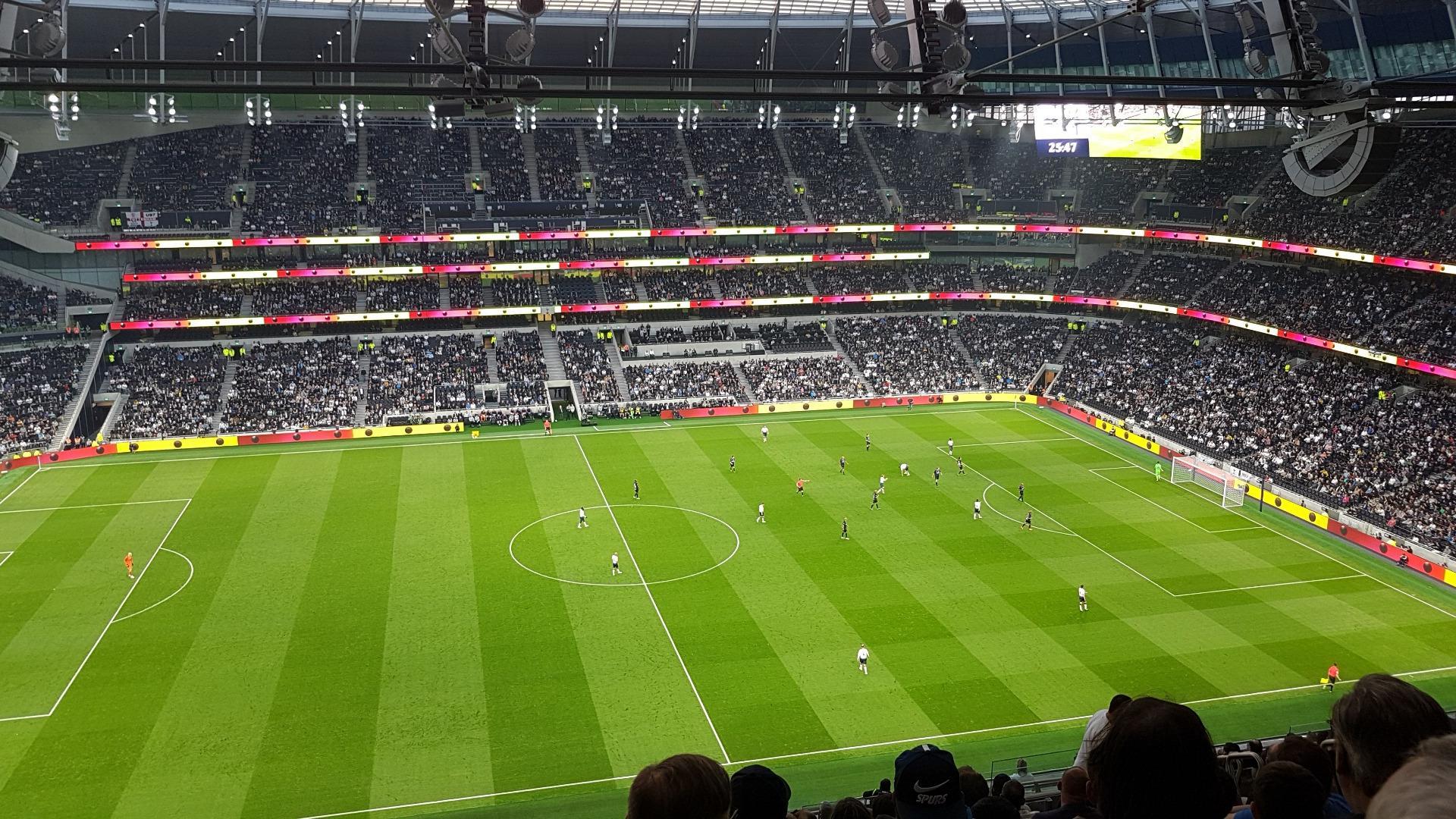 Tottenham Hotspur Stadium Secção 527 Fila 23