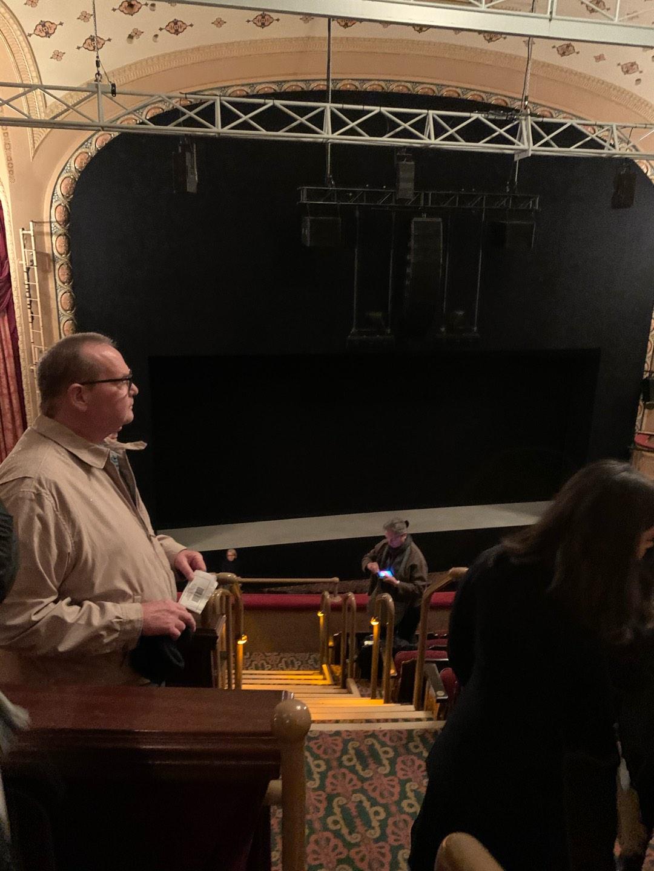 Bernard B. Jacobs Theatre Secção Mezzanine L Fila F Lugar 1