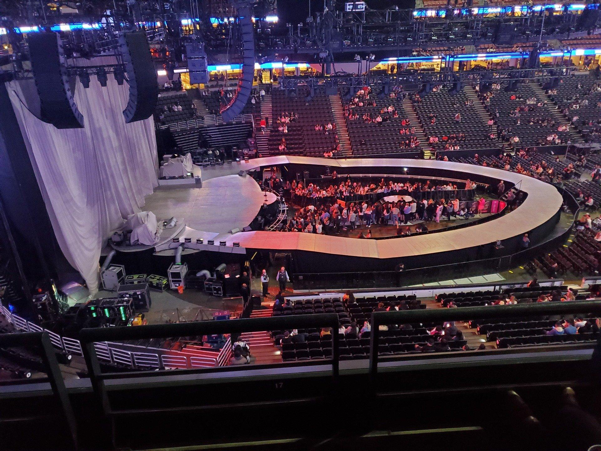 Honda Center Secção 414 Fila B Lugar 3