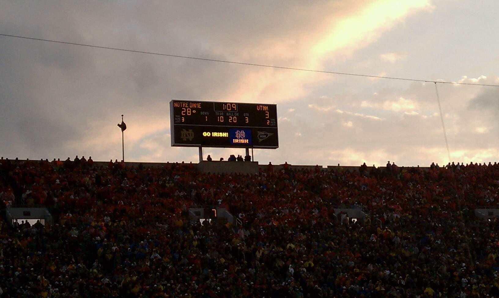 Notre Dame Stadium Secção 10 Fila D Lugar 16