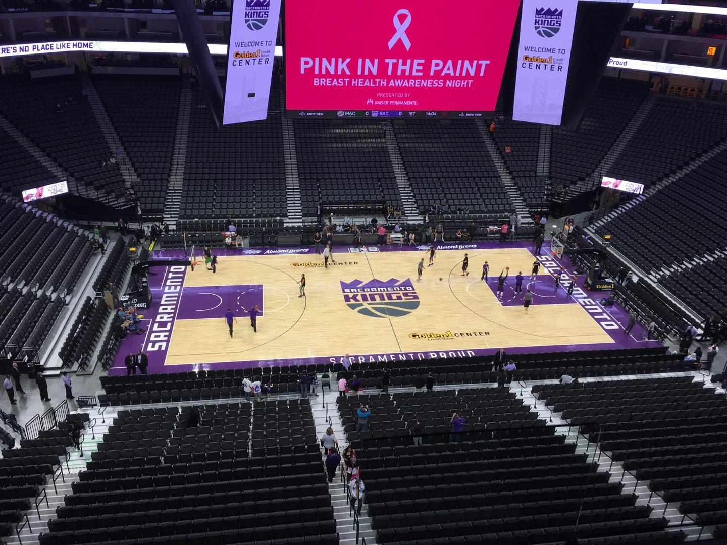 Golden 1 Center Secção 219 Fila B Lugar 2