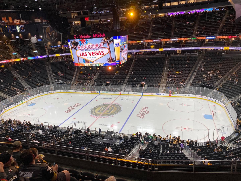 T-Mobile Arena Secção 207 Fila F Lugar 8