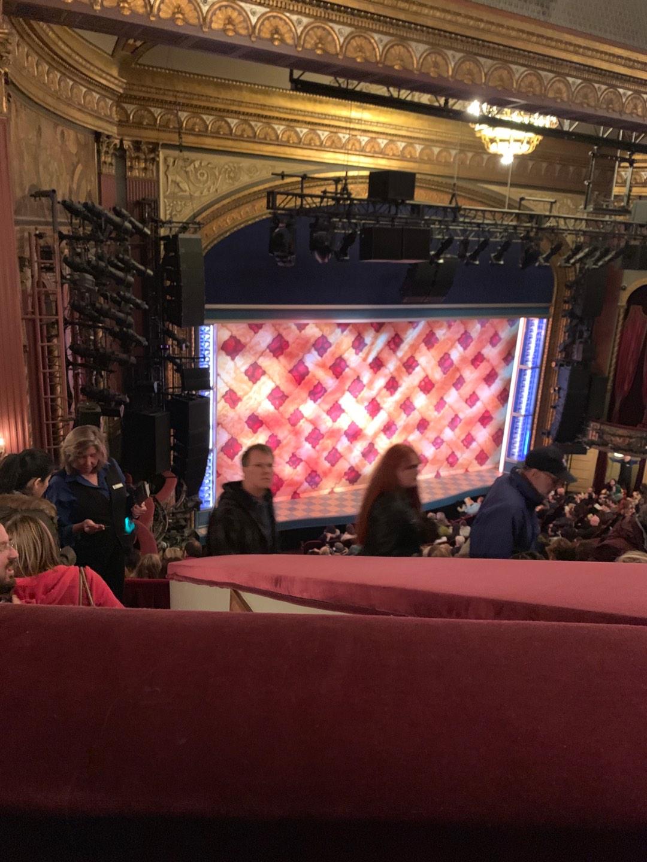 Brooks Atkinson Theatre Secção Mezz Fila H Lugar 11