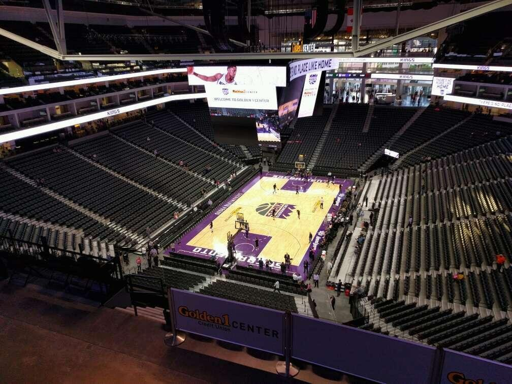 Golden 1 Center Secção 210 Fila h Lugar 10