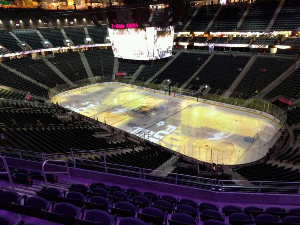 T-Mobile Arena Secção 209 Fila g Lugar 8