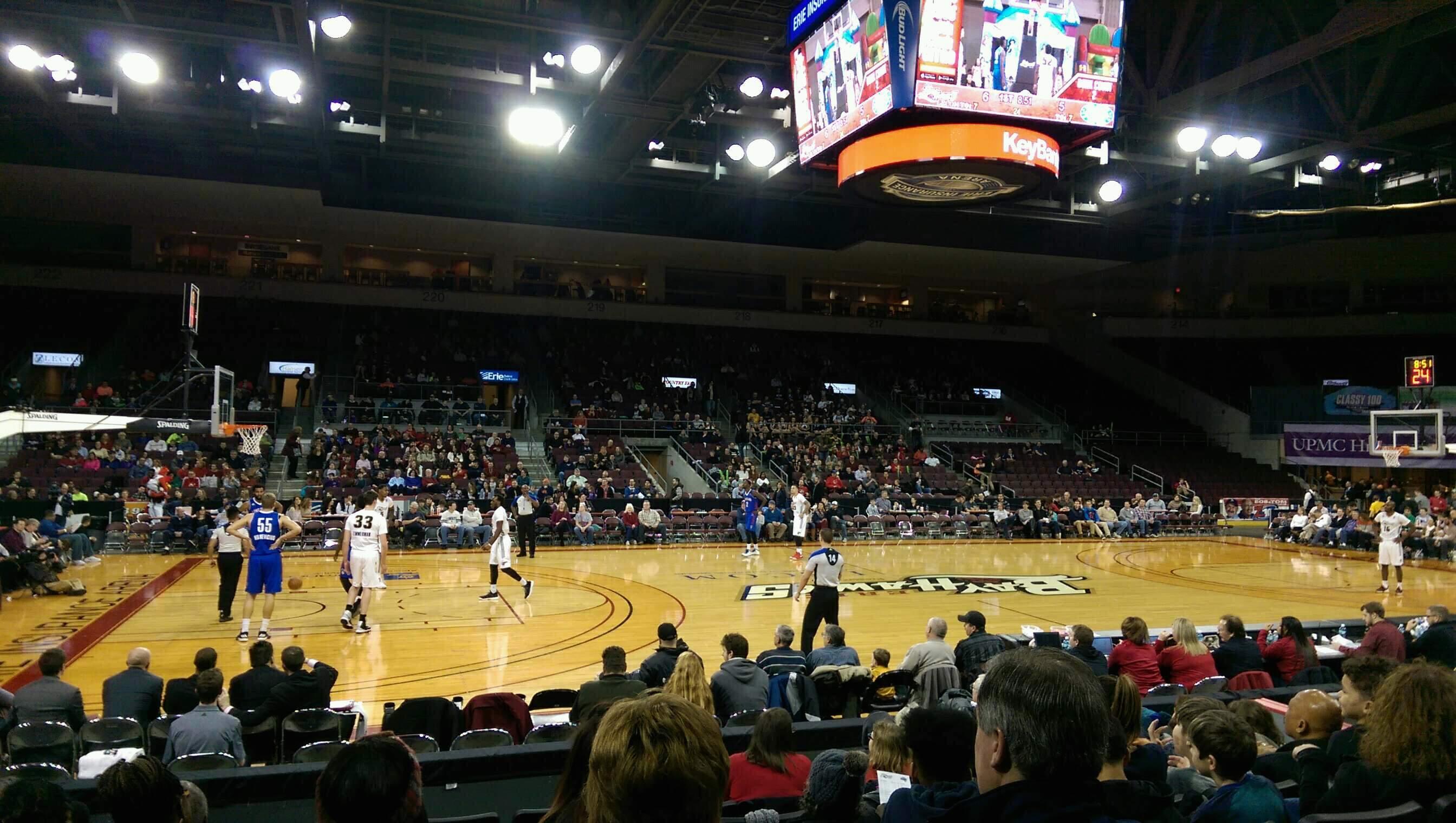 Erie Insurance Arena Secção 103 Fila H Lugar 9