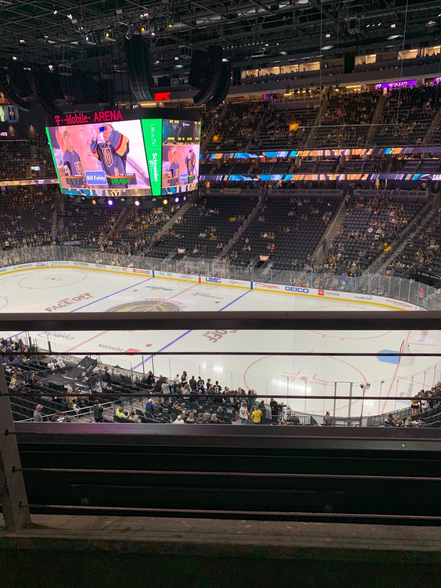 T-Mobile Arena Secção 208 Fila A Lugar 13