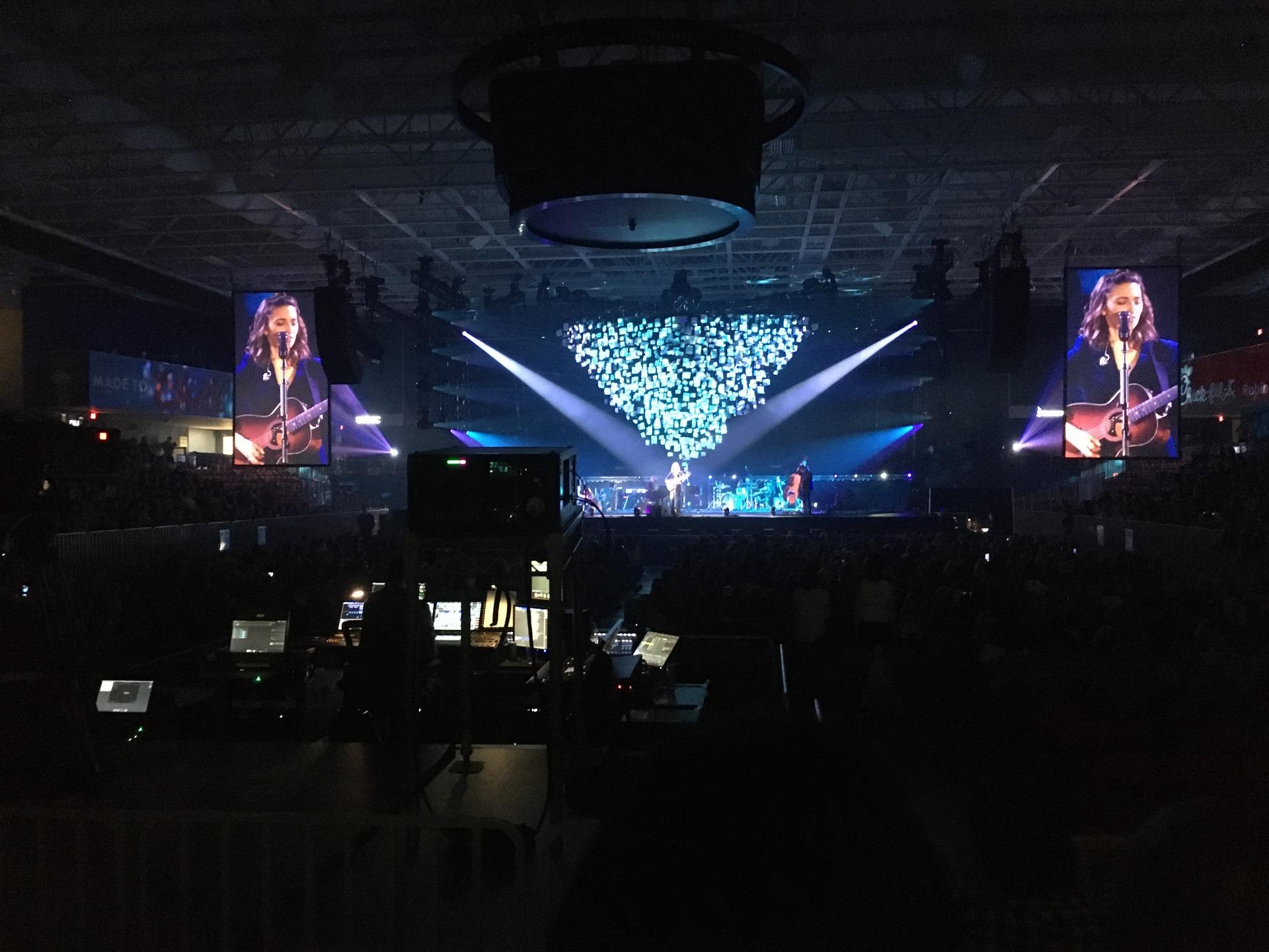 UPMC Events Center Secção 110 Fila D Lugar 6