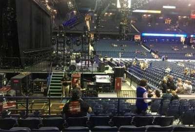 Allstate Arena, secção: 104, fila: F, lugar: 5