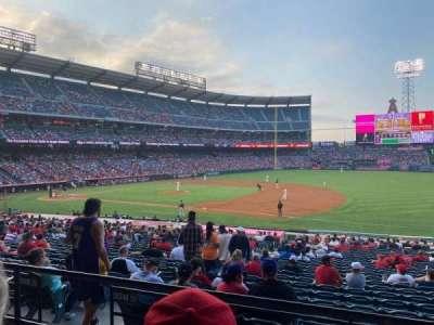 Angel Stadium, secção: 225, fila: C, lugar: 12