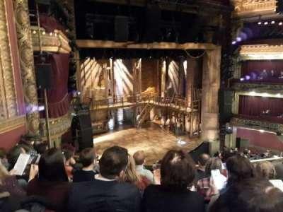 CIBC Theatre, secção: Mezzanine L, fila: E, lugar: 13