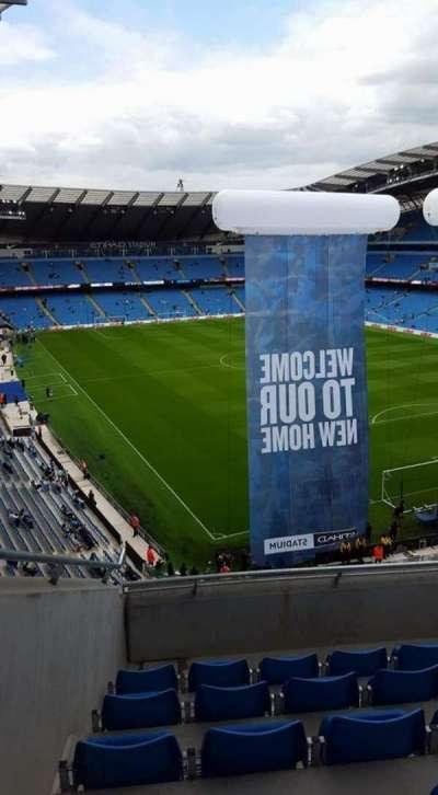 Etihad Stadium (Manchester), secção: 318, fila: F, lugar: 516