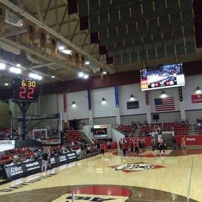 John M. Belk Arena, secção: 3, fila: E, lugar: 1