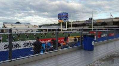 James M. Shuart Stadium, secção: 3, fila: 1, lugar: 27