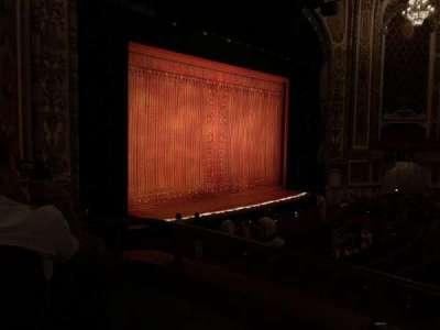 Cadillac Palace Theater, secção: Dress Circle Left, fila: DD, lugar: 5